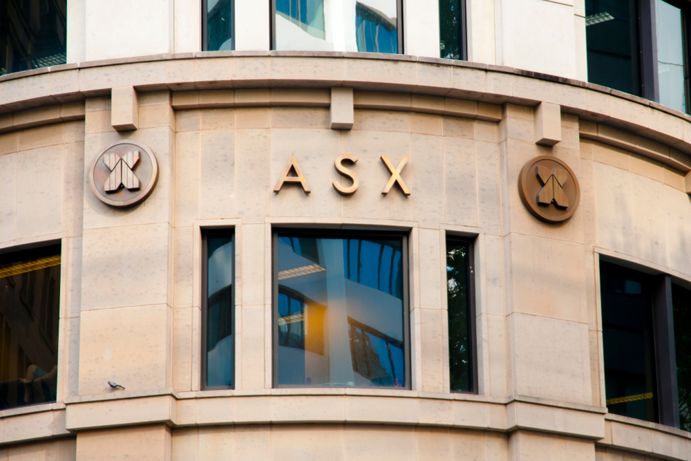Photo of S&P/ASX 200 rises 1%; material sector out-performs with 4.1% gain