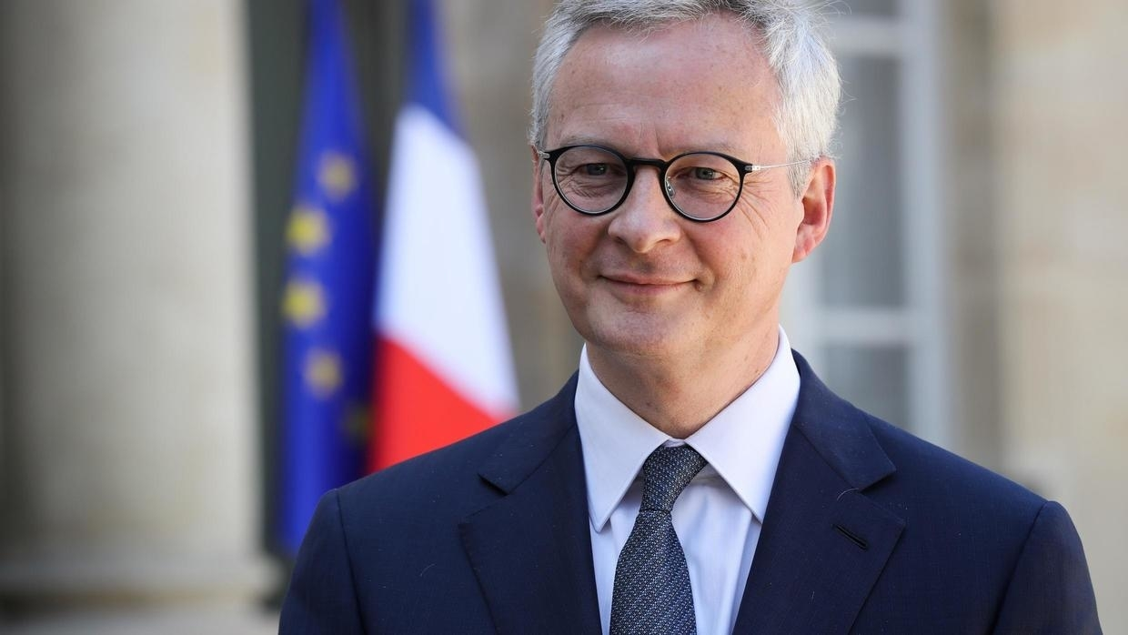 Photo of French Finance Minister Le Maire balks at signing €5 billion Renault bailout loan