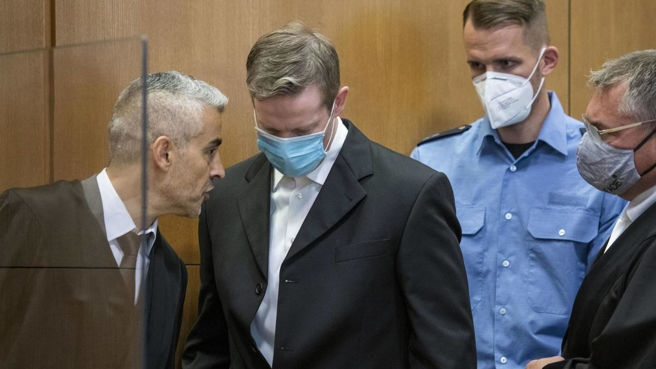 Photo of Far-right suspects go on trial for murder of German pro-migrant politician