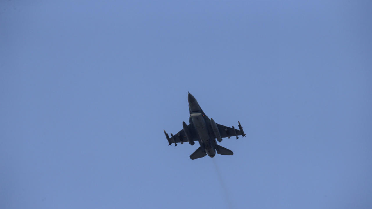 Photo of Turkish jets drop bombs on Kurdish militant targets in northern Iraq