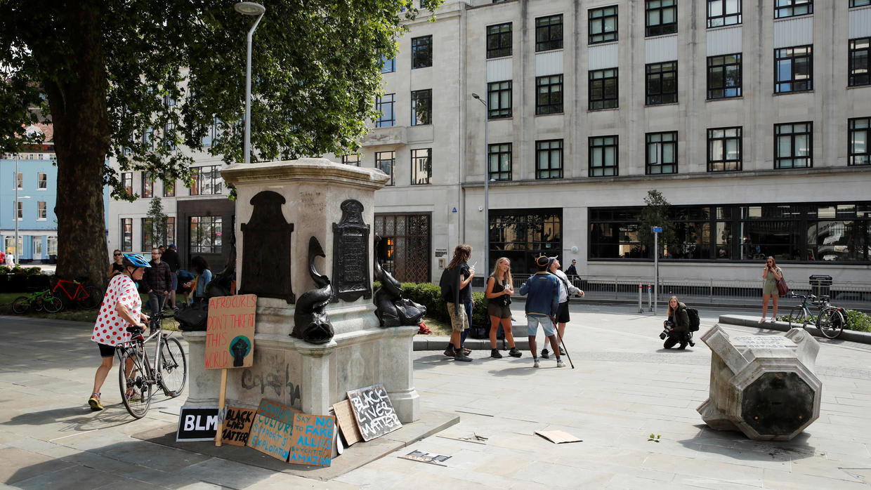 Photo of British politicians condemn toppling of Bristol slave-trader statue