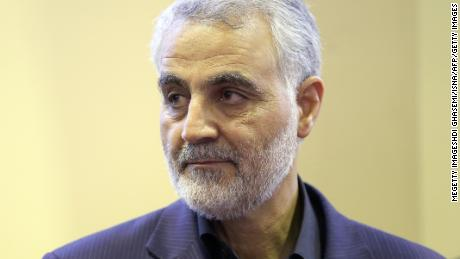 Photo of Iran sentences journalist to death