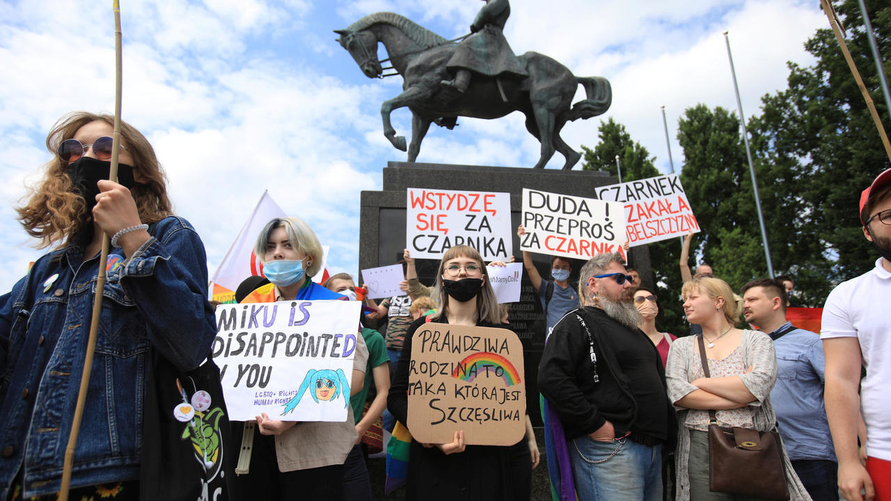 Photo of LGBT rights at heart of Poland presidential-election fight