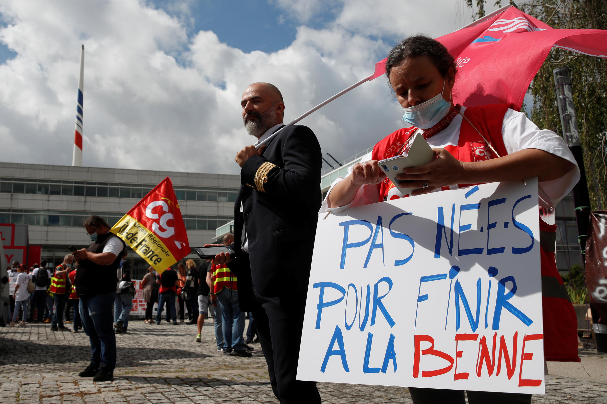 Photo of Air France to cut 7,580 jobs at French flagship carrier and regional unit Hop!