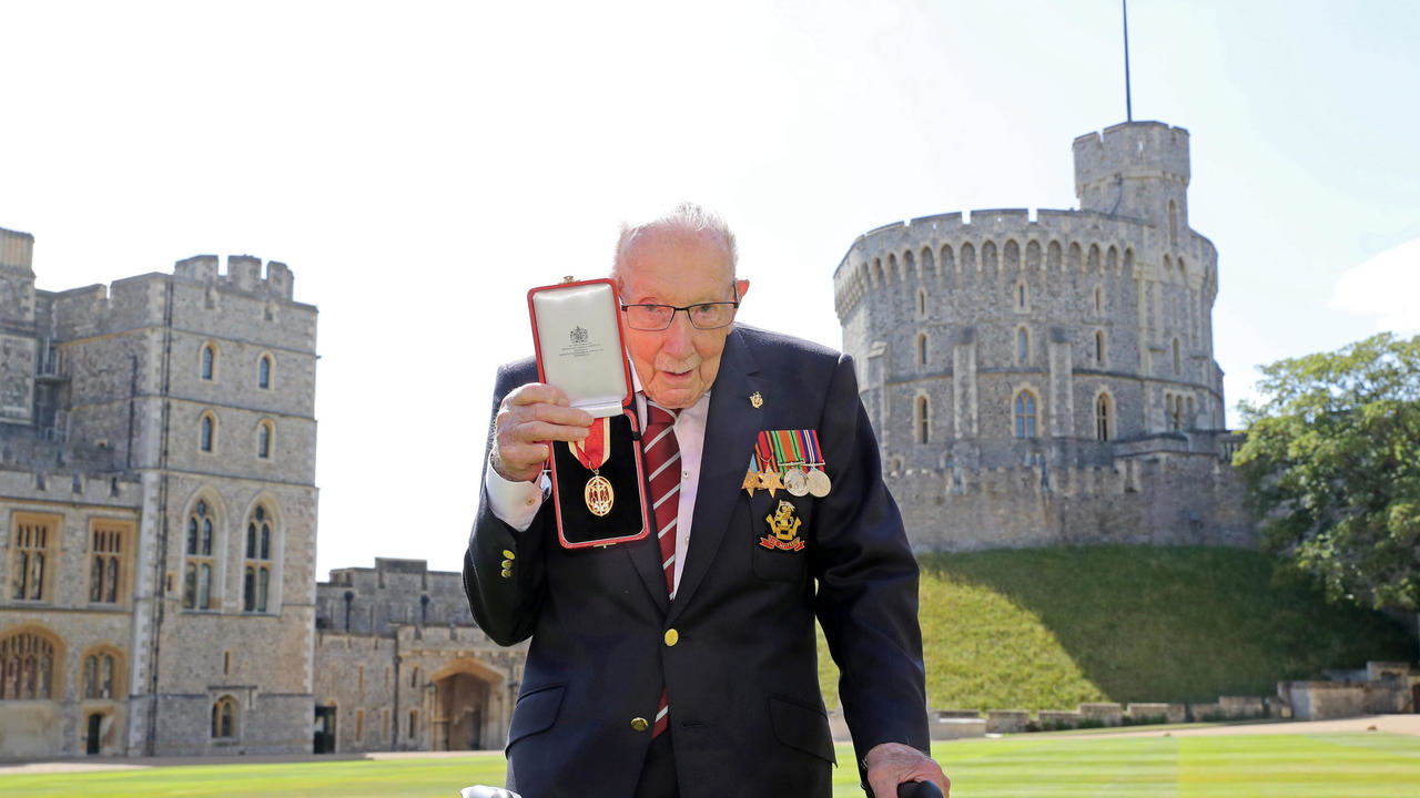 Photo of Arise Sir Tom: Her Majesty knights 100-year-old fundraising war hero