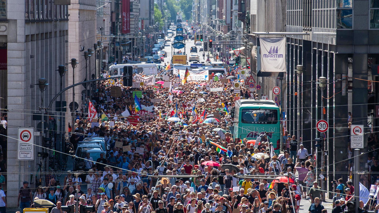 Photo of Protest against coronavirus curbs draws crowds in Berlin