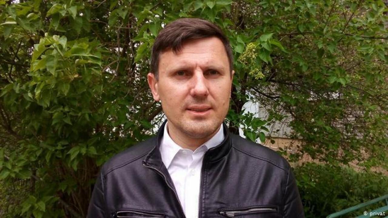 Photo of Belarus police arrest Deutsche Welle correspondent before vote