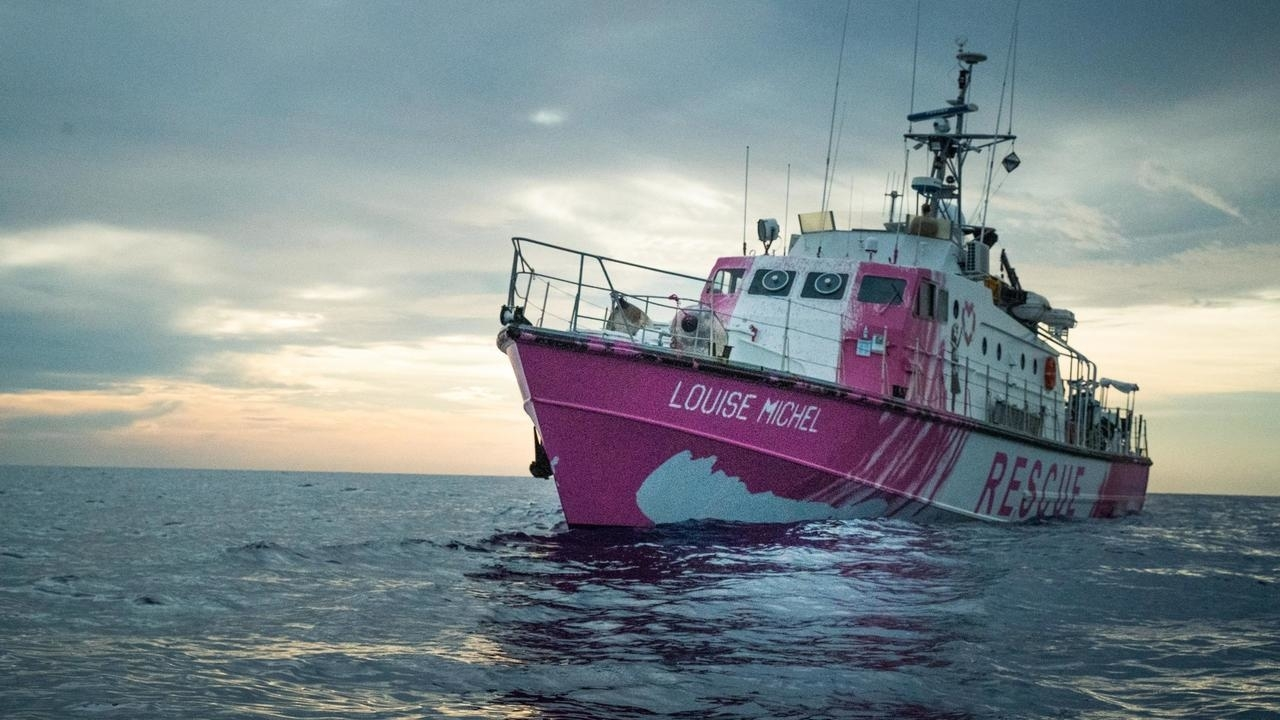 Photo of Banksy-funded migrant rescue boat calls for urgent help in Mediterranean