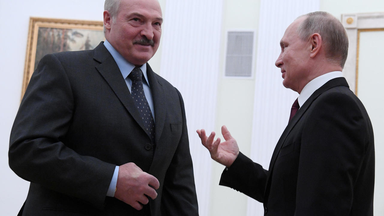Photo of Belarus Lukashenko orders police to quell protests as EU leaders hold emergency summit