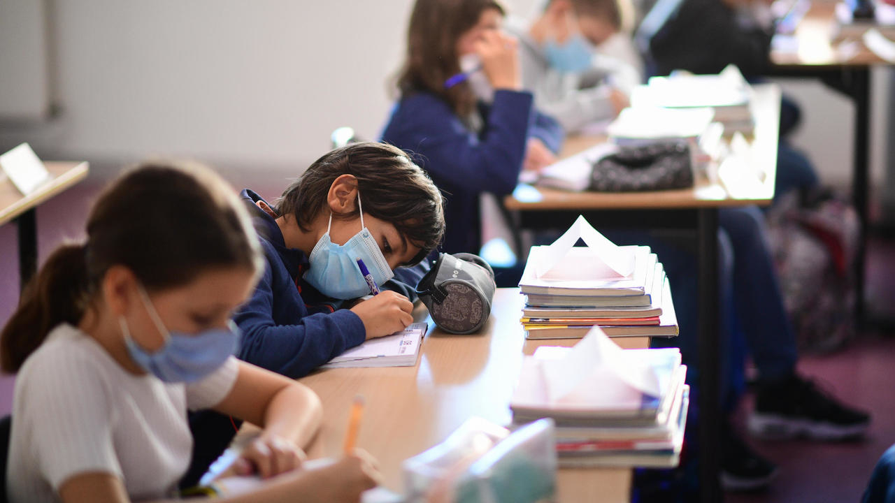Photo of Millions of children across Europe return to school with mandatory face masks