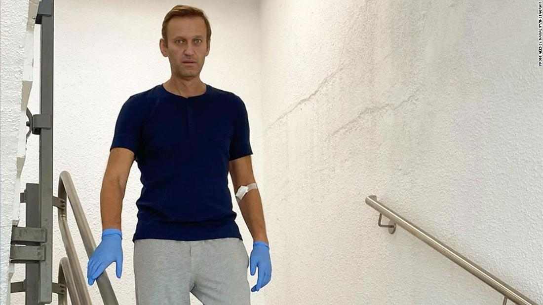 Photo of Kremlin critic Alexey Navalny is out of hospital in Berlin a month after being poisoned