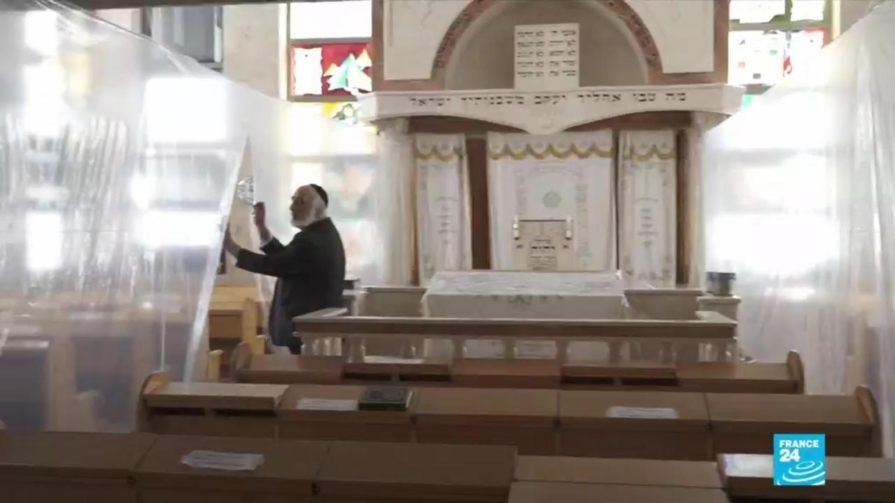 Photo of Israel's ultra-Orthodox Jews defy Covid-19 fears during Yom Kippur