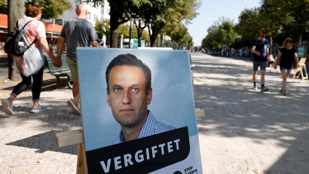Photo of Poisoned Kremlin critic Navalny says Russias Putin behind the crime