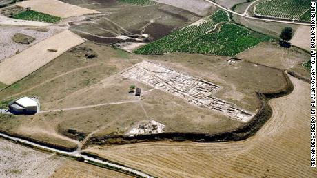 Photo of Archaeologists discover Iron Age massacre, frozen in time