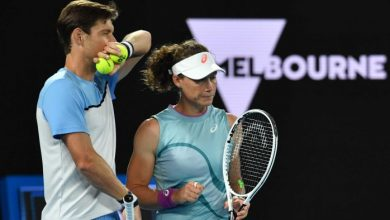 Photo of Sam Stosur and Matt Ebden lose to Barbora Brejčíková and Rajeev Ram in the Australian Open mixed doubles final