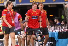 Photo of Matt Rowell injured in Gold Coast Suns' 25-point loss to West Coast Eagles