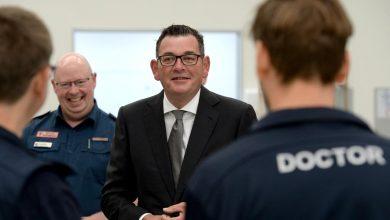 Photo of Victorian Premier Daniel Andrews returns to work on 28 June