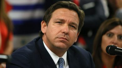 Photo of Florida Judge Rules DeSantis' Mask Order Is 'Without Legal Authority'